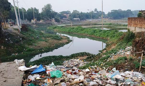 দখল দূষণের কবলে গাজীপুরের চিলাই নদী